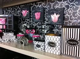 decorations for office cubicle. Cubicle Decoration Office Ideas: Decor Pink But I Would LOVE Purple Decorations For G