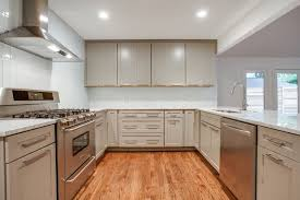 Large Kitchen Floor Mats Enjoy The Beauty Of Laminate Flooring In The Kitchen Artbynessa