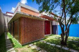 Entretanto, residências com tijolos na fachada ou em ambientes internos são atemporais e sempre se destacarão em&nbs. Fachadas Modernas Utilizando Tijolos Aparentes Grupo Kalfix