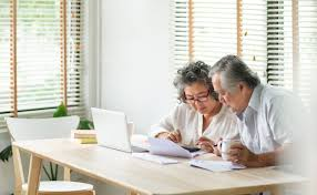 Term insurance is relatively inexpensive and typically worth life insurance provides a death benefit (or a lump sum payment) to beneficiaries when an insured person dies. Best Life Insurance For Seniors Over 70 75 No Exam Term Whole