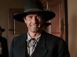 "Lewis Smith as Curly Bill Brocius in ""Wyatt Earp"" | Movie stars, Curly bill  brocius, Wyatt earp"