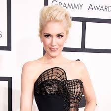 Gwen Stefani Dyes Her Hair Blonde