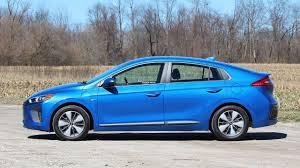 2018 hyundai plug in. brilliant hyundai 2018 hyundai ioniq plugin prototype review throughout hyundai plug in