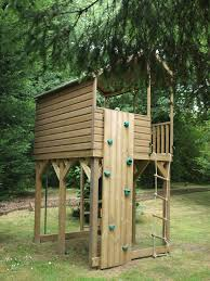 side tree house platform shelter