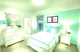 green wall bedroom ideas green bedroom ideas decorating light green walls bedroom ideas with green walls green wall bedroom decorating green painted bedroom