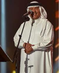 محمد عبده يفتح قلبه لجمهوره على مسرح المفتاحة في حفلته العاشرة بأبها