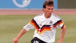 Hij geldt als een van de succesvolste duitse voetballers aller tijden. 60 Geburtstag Weltmeister Greenkeeper Und Bald Nationaltrainer Lothar Matthaus Wird 60 Augsburger Allgemeine