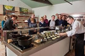 Atelier Et Cours De Cuisine Avec Un Grand Chef De La Préparation à