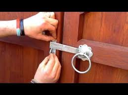 how to fit a gate latch fitting a