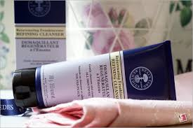 neal s yard rejuvenating frankincense refining cleanser