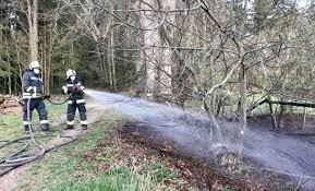 Am 14.05.2018 um 02:15 uhr wurde die ff johannisthal zu einem dachstuhlbrand mit person in gefahr nach tüschnitz alarmiert. Kaum Einnahmen Wenige Einsatze Fur Die Ff Freistadt 2020 War Zwar Ruhig Aber Fordernd