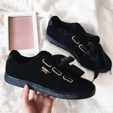 puma shoes suede black. puma heart suede. je les ai en velour rose avec rubans très jolis et plusieurs compliments. shoes suede black