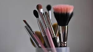 how do you clean makeup brushes with vinegar