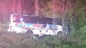 canadys s c wciv seven people were hurt when a chartered bus carrying students and chaperones from a north carolina high chorus team