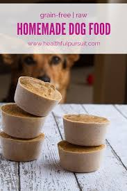 home cooked healthy food for dogs. make your own healthy dog food #dogfood #homemadedogfood #rawdog home cooked for dogs r