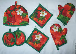 Gift For The Kitchen Buy Strawberry Kitchen Set Of Mittens A Gift For Any Occasion