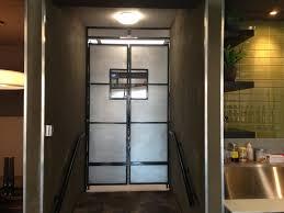 image of saloon door hinges