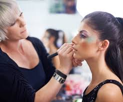 get to know some of the best and most famous makeup artists right now