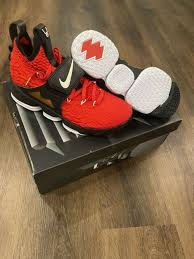 The flashiest jordan found its way onto the flashiest football player. Nike Air Diamond Turf Shoes Deion Sanders Gray Black Basketball Shoes Ebay