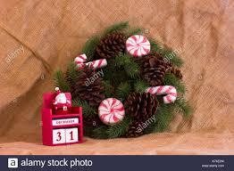 Weihnachten Tanne Kranz Mit Zapfen Und Süßigkeiten Und