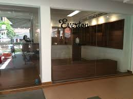 We have been working for more than 30 years in this industry, providing the best tires for our customers. Review Everton Creamery Everton Park Explodingbelly