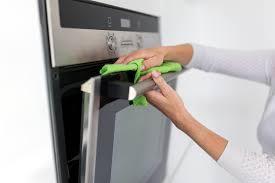 options for cleaning in between glass on oven door