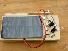 solar powered flashlight no battery make