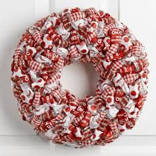 ... DIY Ribbon Loop Christmas Wreath