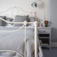 Grey bedroom ideas – grey bedroom decorating – grey colour scheme
