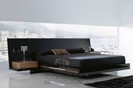 Luxor 923 Modern Platform Bed in High Gloss Black Lacquer and