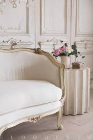 eloquence inc stunning vine daybed in a lovely cream that is perfectly accentuated with specks of gilt on the carved fl designs