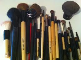 overdue cleaning my makeup brushes