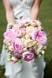 cost of flowers for wedding. re: cost of wedding flowers? flowers for w
