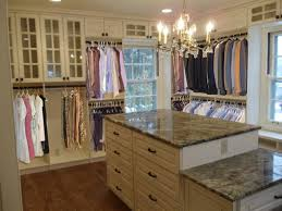 do your closets pour out when you open the door like fibber mcgee s