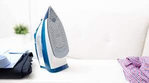 Veja mais ideias sobre truques de limpeza, limpeza, dicas de limpeza. Como Limpar Ferro De Passar 10 Truques Infaliveis Para Deixar Novo