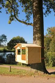 De DIY Treehouse ('De zelfbouwboomhut') van AANDEBOOM is een prefab ontwerp  dat