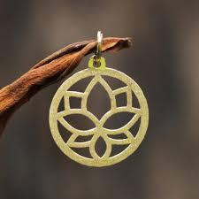 18k gold pendant lotus flower circular from brazil lotus flower