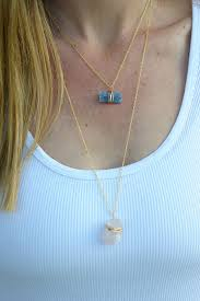 you can make these beautiful wire wrapped stone necklaces on aliceandlois com