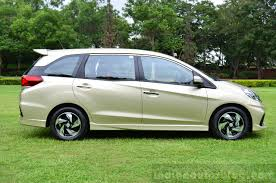new car launches honda mobilioHonda Indias 7seat compact SUV unveiling at Auto Expo 2016