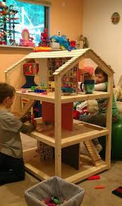 3 story dollhouse...nice and simple! Love it! Maybe next Christmas
