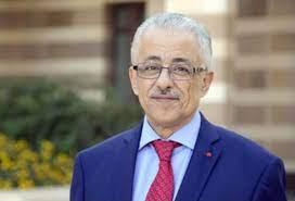 د طارق شوقي لاتصدقوا الشائعات حول تصحيح الكيمياء للثانوية العامة
