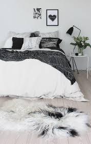 Modern Black And White Bedroom 17 Best Ideas About Black White Bedrooms On Pinterest Black