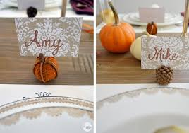 simple diy place cards for a thanksgiving table bubbly design co