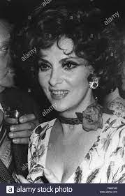 Gina Lollobrigida in London, 1970 © GFS/Hollywood Archiv - Alle Rechte  vorbehalten File Reference # 32633 696 THA Stockfotografie - Alamy
