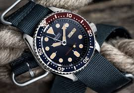 the zulu nylon strap shares almost all the same features we love from our nylon range but is available with zulu style hardware you can find everything you