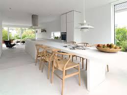 Kochinsel Mit Tisch Pic