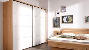 Interliving Schlafzimmer Serie 1013 Schwebetürenschrank Sandfarbene