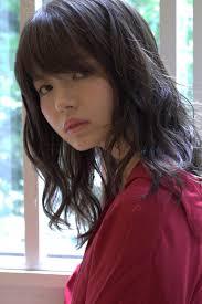 ミディアム くせ毛風 ナチュラル レイヤーカットtsumiki Hair Factory