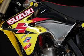 2018 suzuki two strokes. contemporary strokes the rm250u0027s tank was replaced with a full aluminum by company in  italy called x fun it mates the new rmz450 shrouds with 2018 suzuki two strokes h