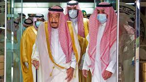 وكالة الأنباء السعودية: الملك سلمان خرج من المستشفى بعد استئصال المرارة